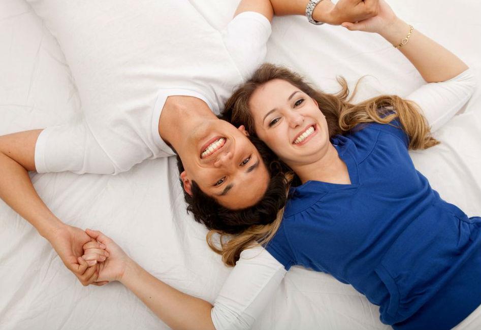 صورة حركات جريئه للزوج , رومانسيات وحركات جميلة تجعل زوجك يحبك اكثر
