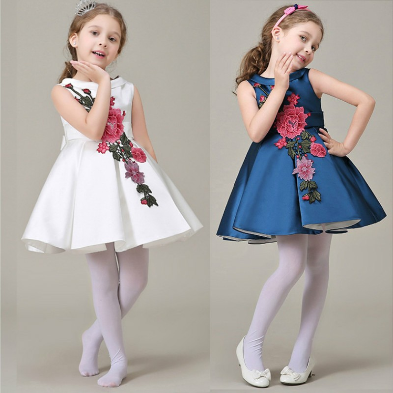 صورة فساتين للعيد بنات , ملابس بنات رقيقة باطلالات رائعة وجميلة 298 2
