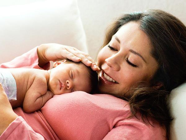 صورة ام وطفل صور جميله جدا تجمع بين الام و طفلها اعتذار و اسف