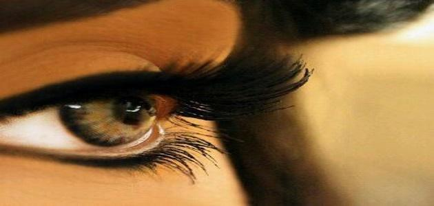 صورة كلمات على رمش عيونها , ابهر حبيبتك بارق العبارات على صور عن عينيها