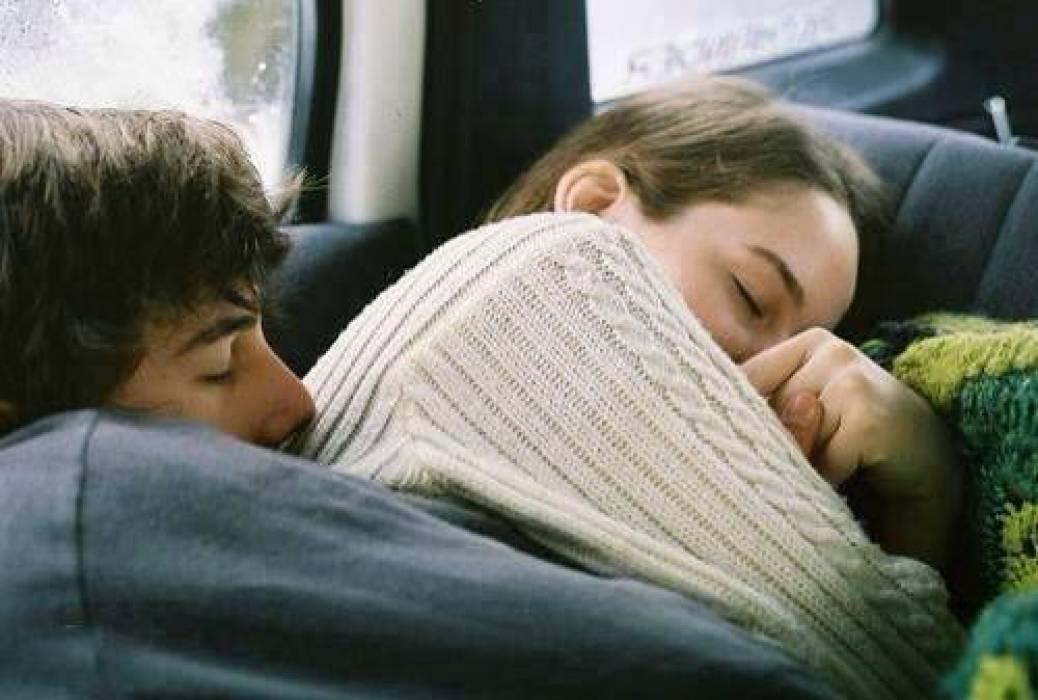 صورة احلى ضمه رومنسيه , عبر عن حبك بحضن رقيق ومشاعر